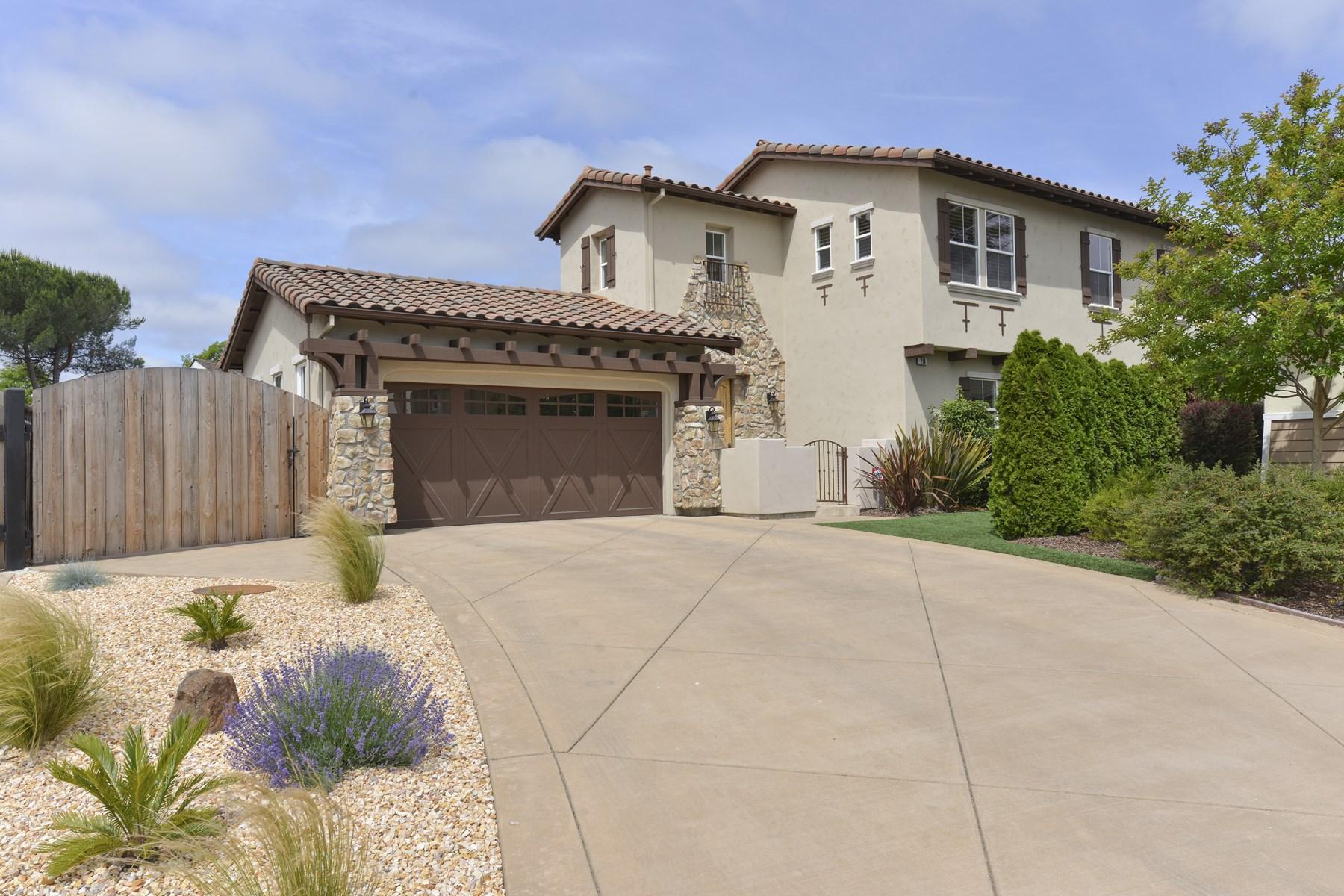 Casa para uma família para Venda às Stylish Mediterranean 214 Cole Ranch Ct Napa, Califórnia 94558 Estados Unidos