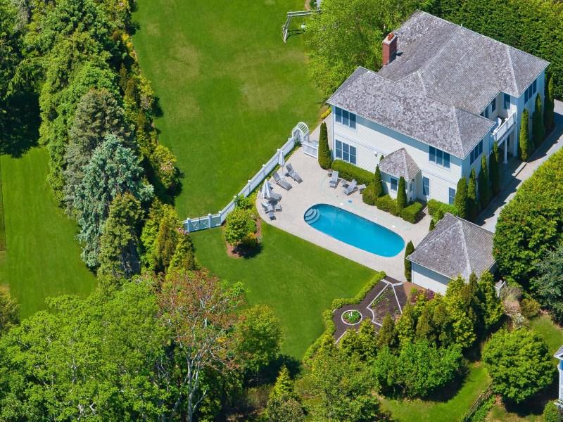 Casa para uma família para Venda às Southampton Village Mini Estate 18 Cobblefield Lane Southampton, Nova York 11968 Estados Unidos