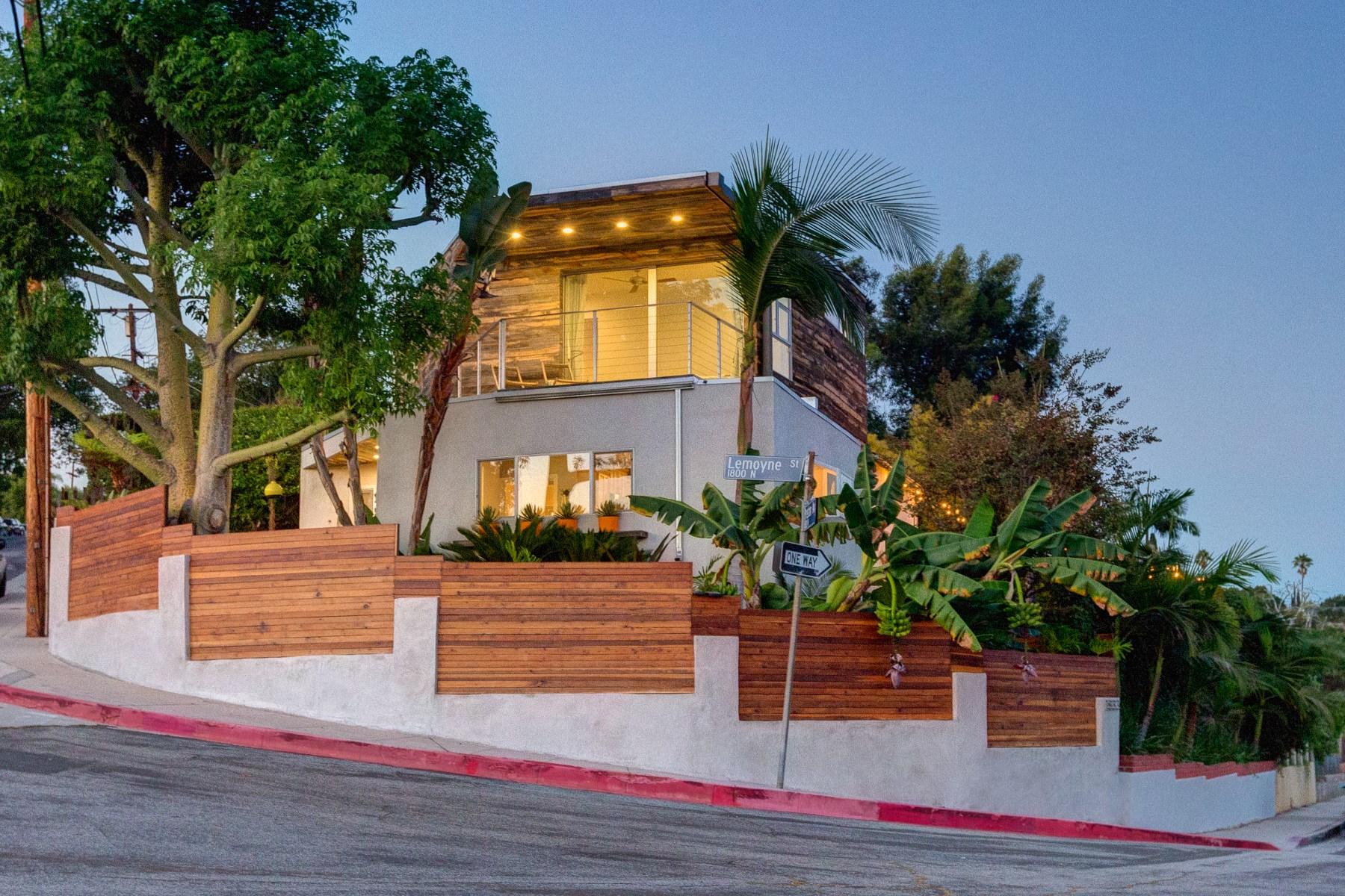 Maison unifamiliale pour l Vente à 1833 Preston Avenue Silver Lake, Los Angeles, Californie 90026 États-Unis