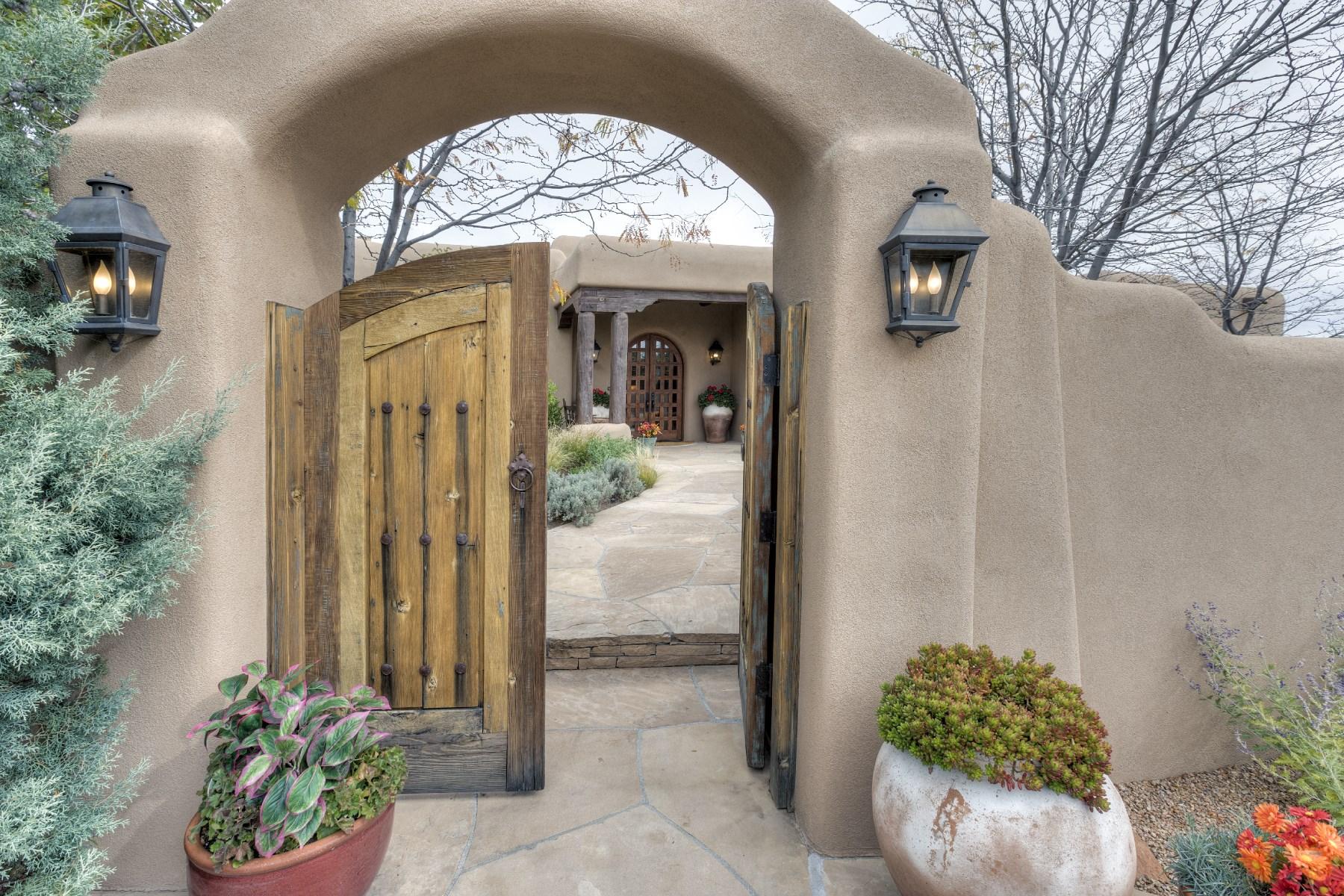 Maison unifamiliale pour l Vente à 10 Entrada Descanso Las Campanas & Los Santeros, Santa Fe, New Mexico 87506 États-Unis