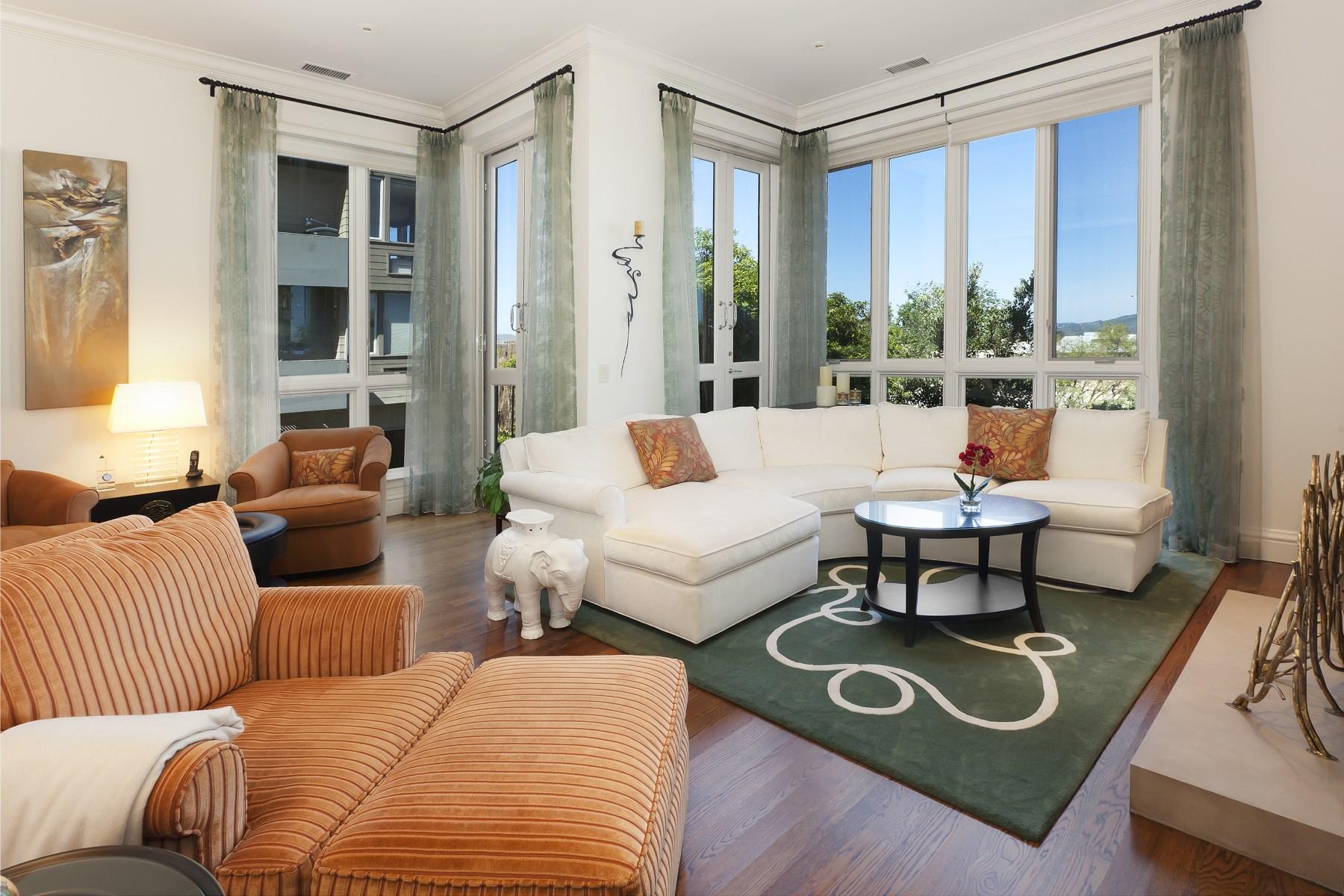 共管物業 為 出售 在 Elegant House-Like Condo with Bay Views 186 Francisco St Apt 1 Telegraph Hill, San Francisco, 加利福尼亞州, 94133 美國