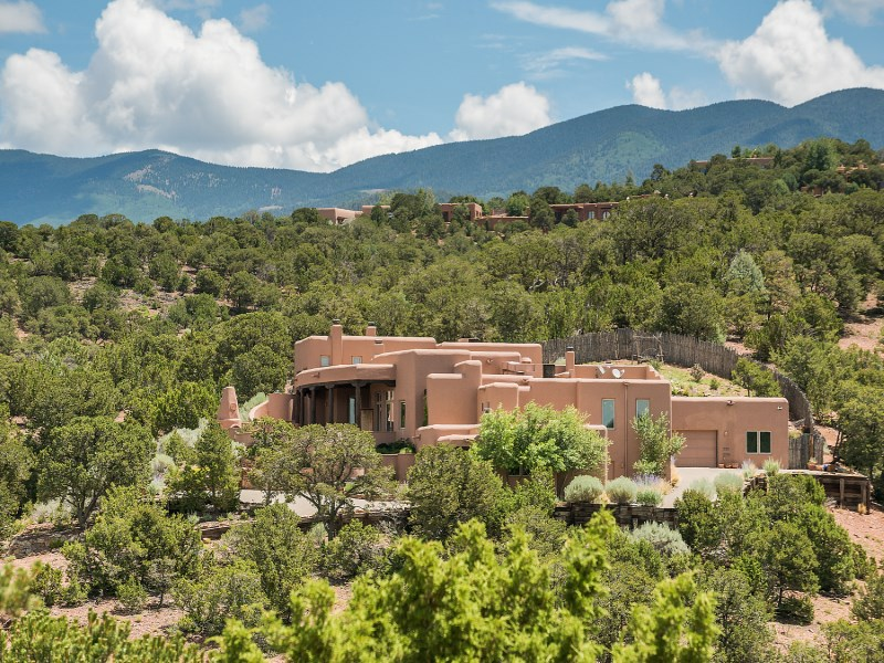 Nhà ở một gia đình vì Bán tại 1062 Sierra Del Norte Santa Fe City Northeast, Santa Fe, New Mexico 87501 Hoa Kỳ
