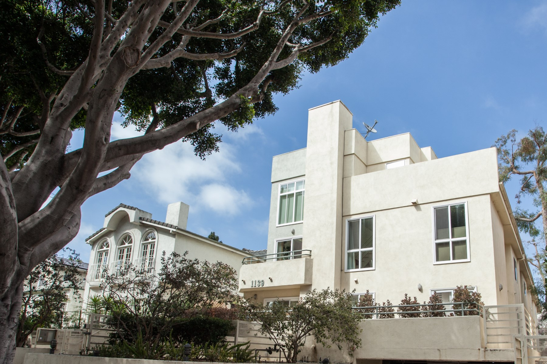 rentals property at Stunning Lease in Prime Santa Monica