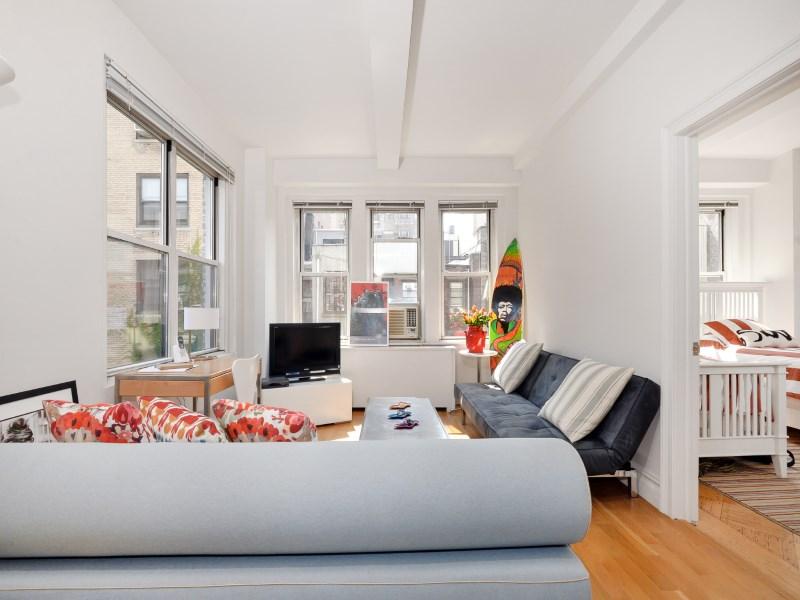 Кооперативная квартира для того Продажа на 126 West 73rd Street, Apt 4A 126 West 73rd Street Apt 4a Upper West Side, New York, Нью-Йорк 10023 Соединенные Штаты