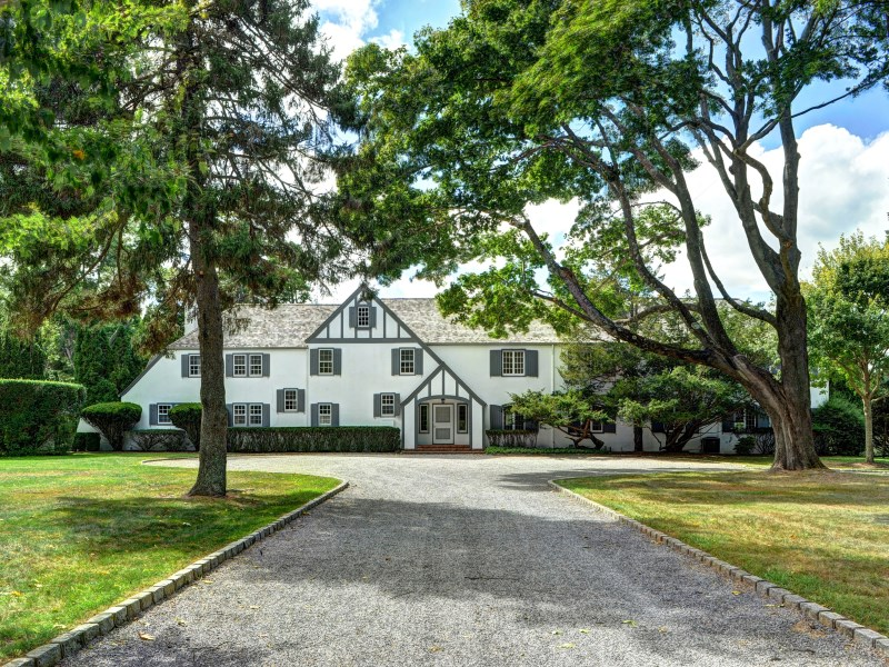 Moradia para Venda às 5 +/- Acre Property in Estate Area 23 Hedges Ln East Hampton Village, East Hampton, Nova York 11937 Estados Unidos
