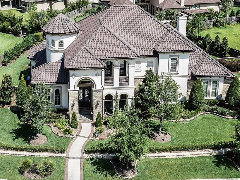 Maison unifamiliale pour l Vente à 2317 Durango Bend Lane Friendswood, Texas 77546 États-Unis