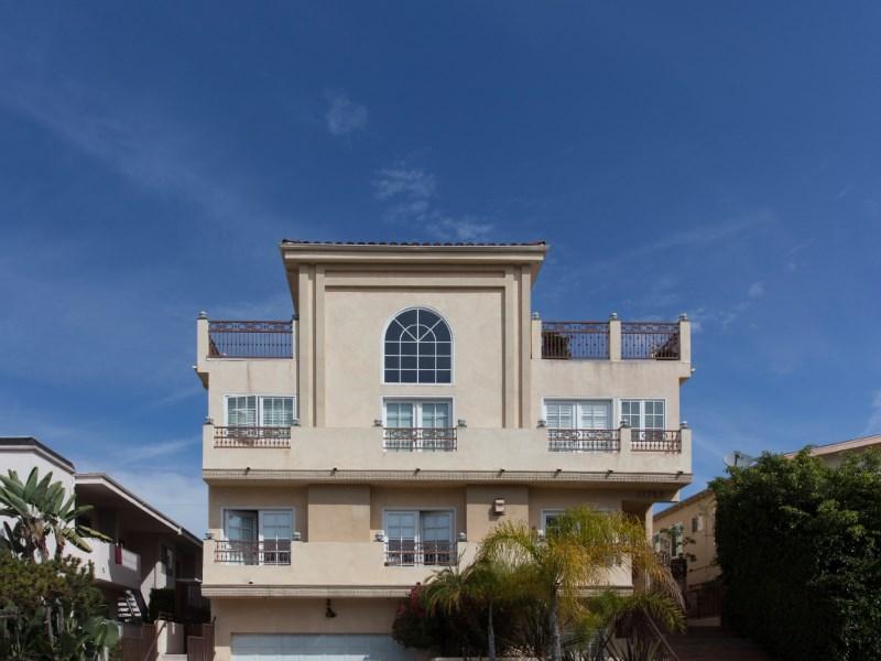"Villetta a schiera per Vendita alle ore Wander Brentwood's ""Village"" Lifestyle 11723 Mayfield Avenue #3 Brentwood, Los Angeles, California 90049 Stati Uniti"