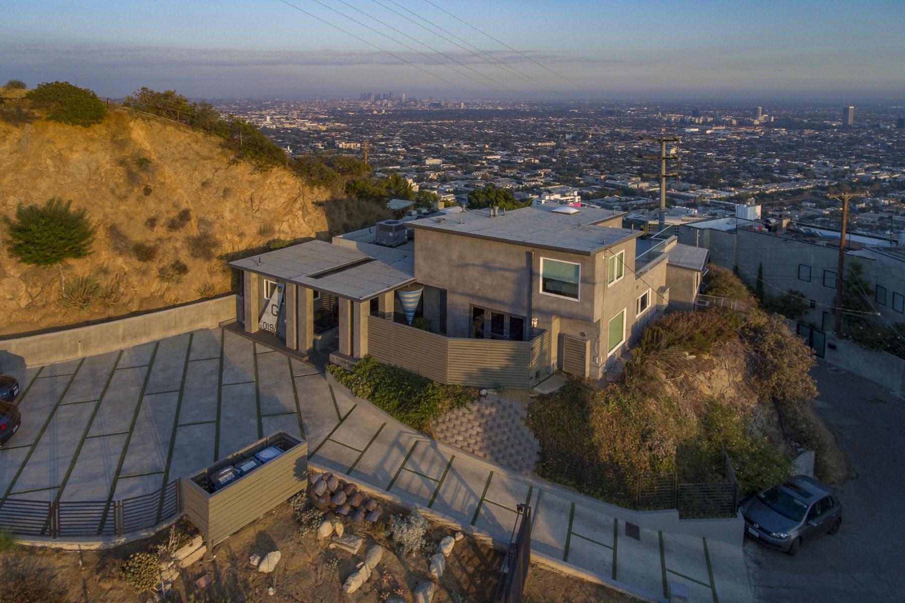 Частный односемейный дом для того Аренда на 8697 Franklin Ave 8697 Franklin Avenue Los Angeles, Калифорния 90069 Соединенные Штаты