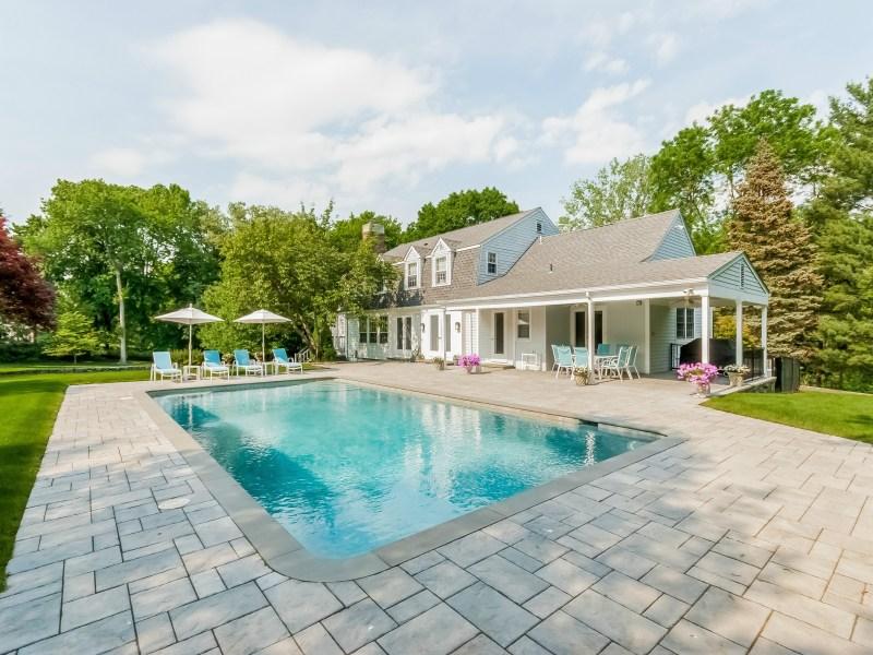 Nhà ở một gia đình vì Bán tại Mid-Country Retreat 44 Doubling Road Mid-Country, Greenwich, Connecticut 06830 Hoa Kỳ