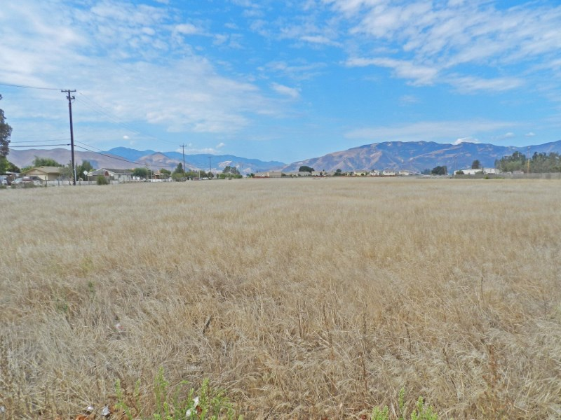 Terrain pour l Vente à Medium Density Residential Land 1064 Walnut Avenue Greenfield, Californie 93927 États-Unis