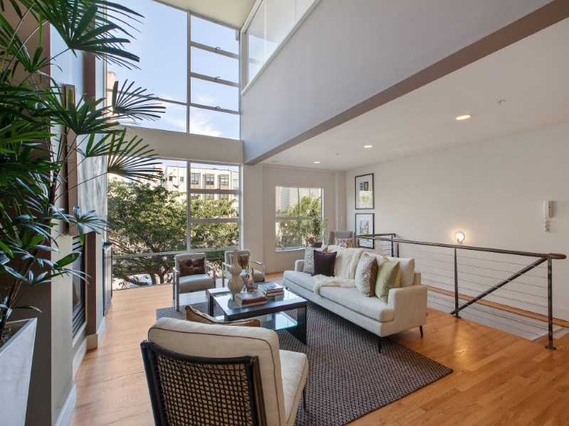 共管物業 為 出售 在 Rare and Dramatic 3 Bedroom City Loft 142 Russ Street #4 San Francisco, 加利福尼亞州 94103 美國