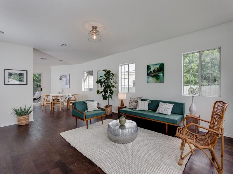 Tek Ailelik Ev için Satış at 936 Farnam Street Highland Park, Los Angeles, Kaliforniya 90042 Amerika Birleşik Devletleri