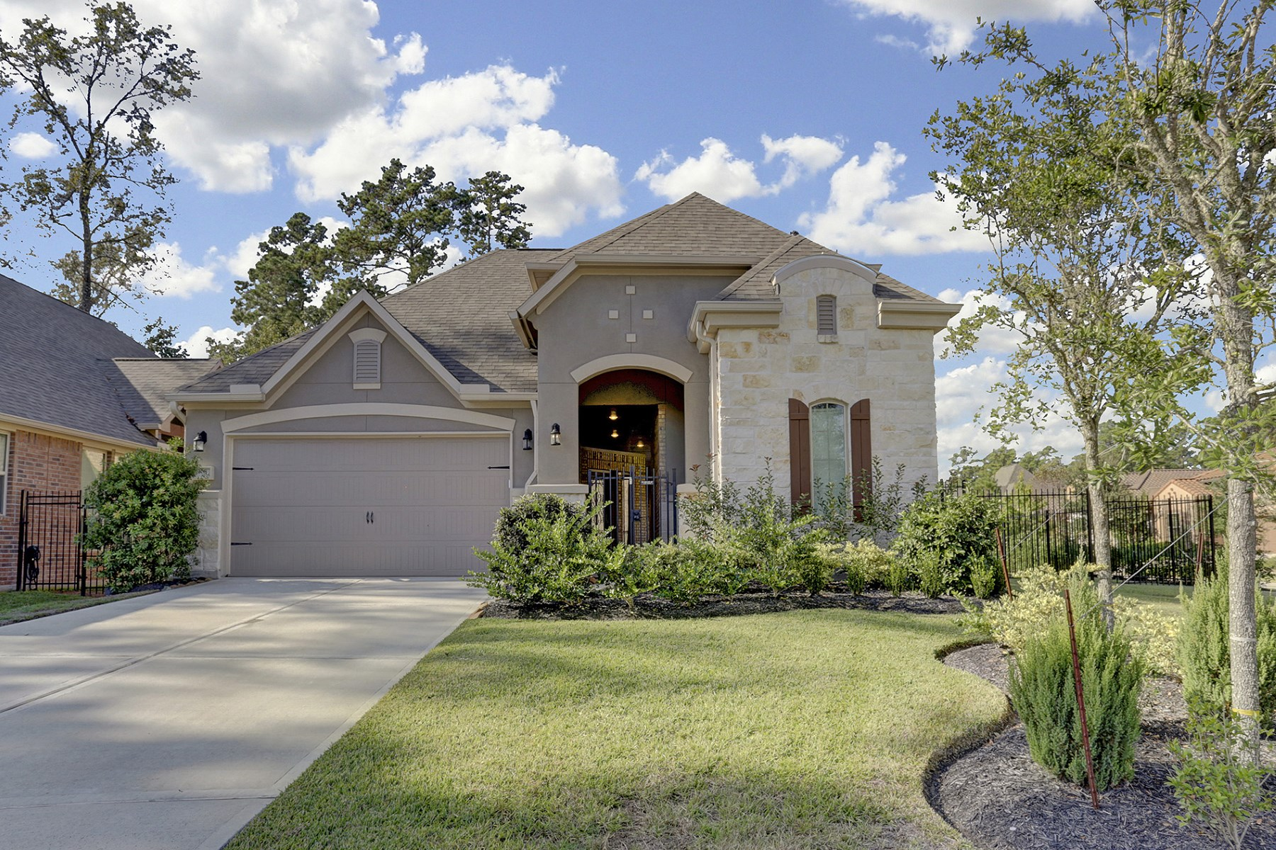 Single Family Home for Sale at 108 Sundown Ridge Place Tomball, Texas 77375 United States