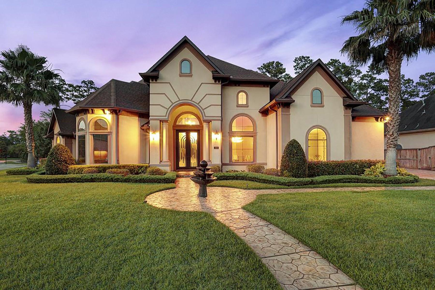 Maison unifamiliale pour l Vente à 806 Shady Bend Lane Friendswood, Texas 77546 États-Unis