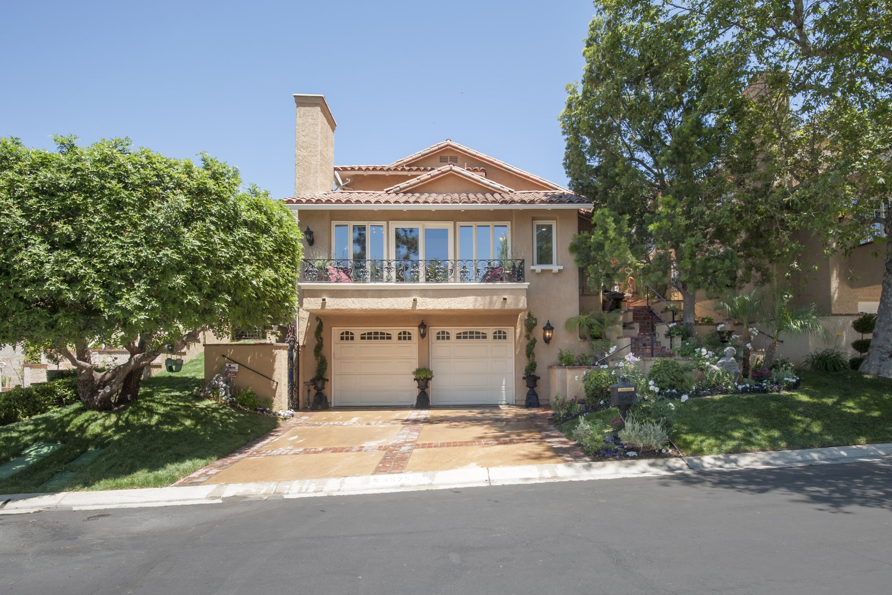 Single Family Home for Sale at 4575RayburnSt.com 4575 Rayburn Street Westlake Village, California 91362 United States