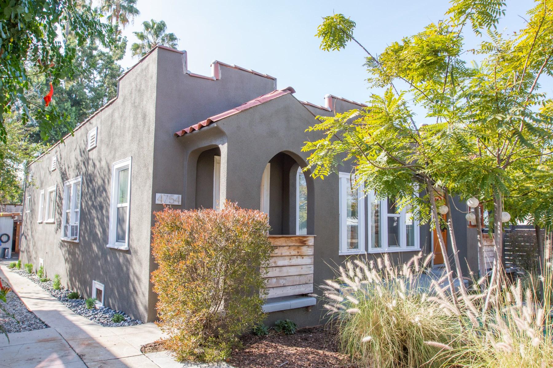 Vivienda multifamiliar por un Venta en 4752 York Boulevard Highland Park, Los Angeles, California 90042 Estados Unidos