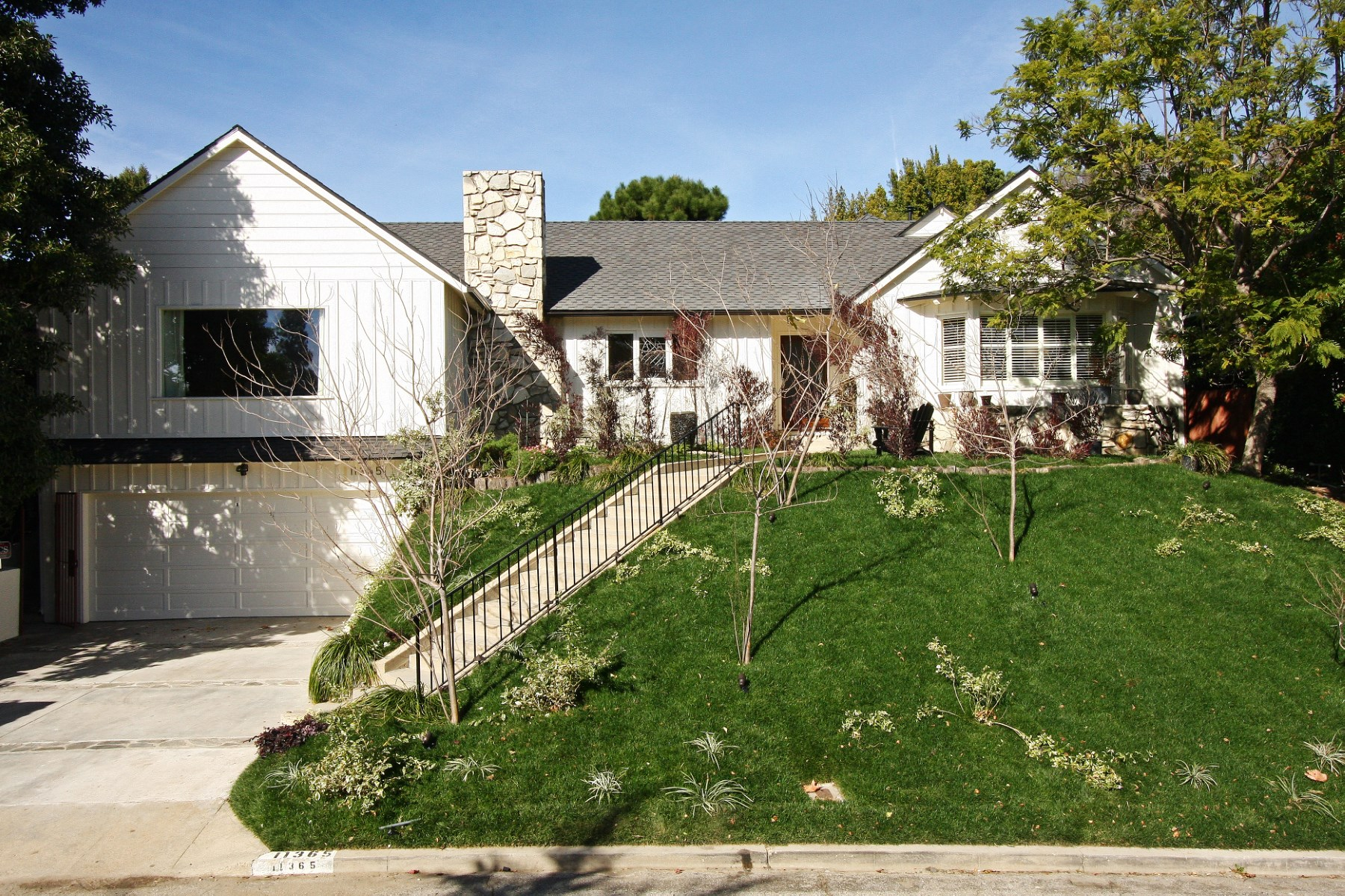 Tek Ailelik Ev için Satış at 11365 Thurston Place Los Angeles, Kaliforniya, 90049 Amerika Birleşik Devletleri