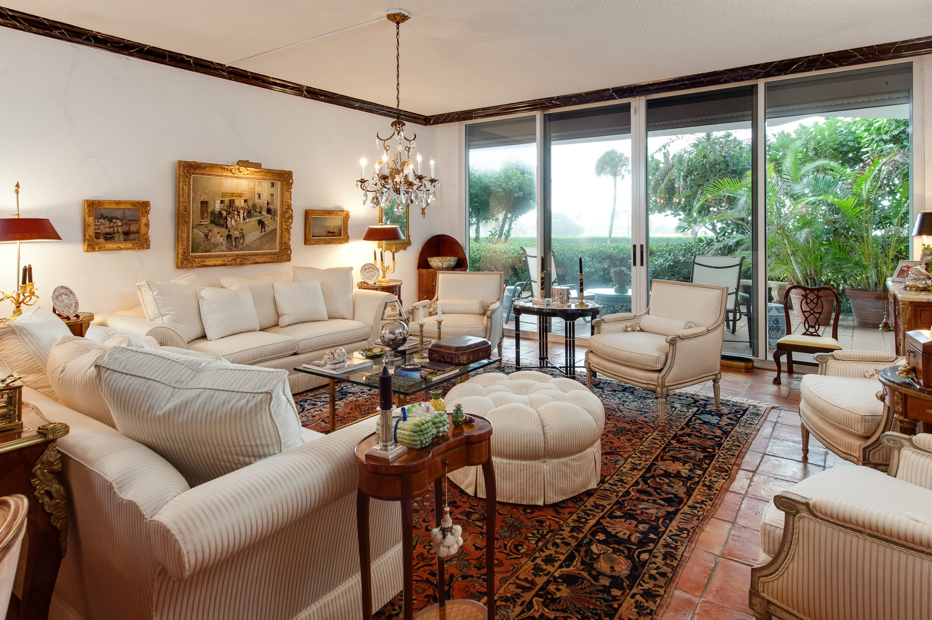 Condomínio para Venda às Exquisite Condominium Palm Beach, Florida 33480 Estados Unidos
