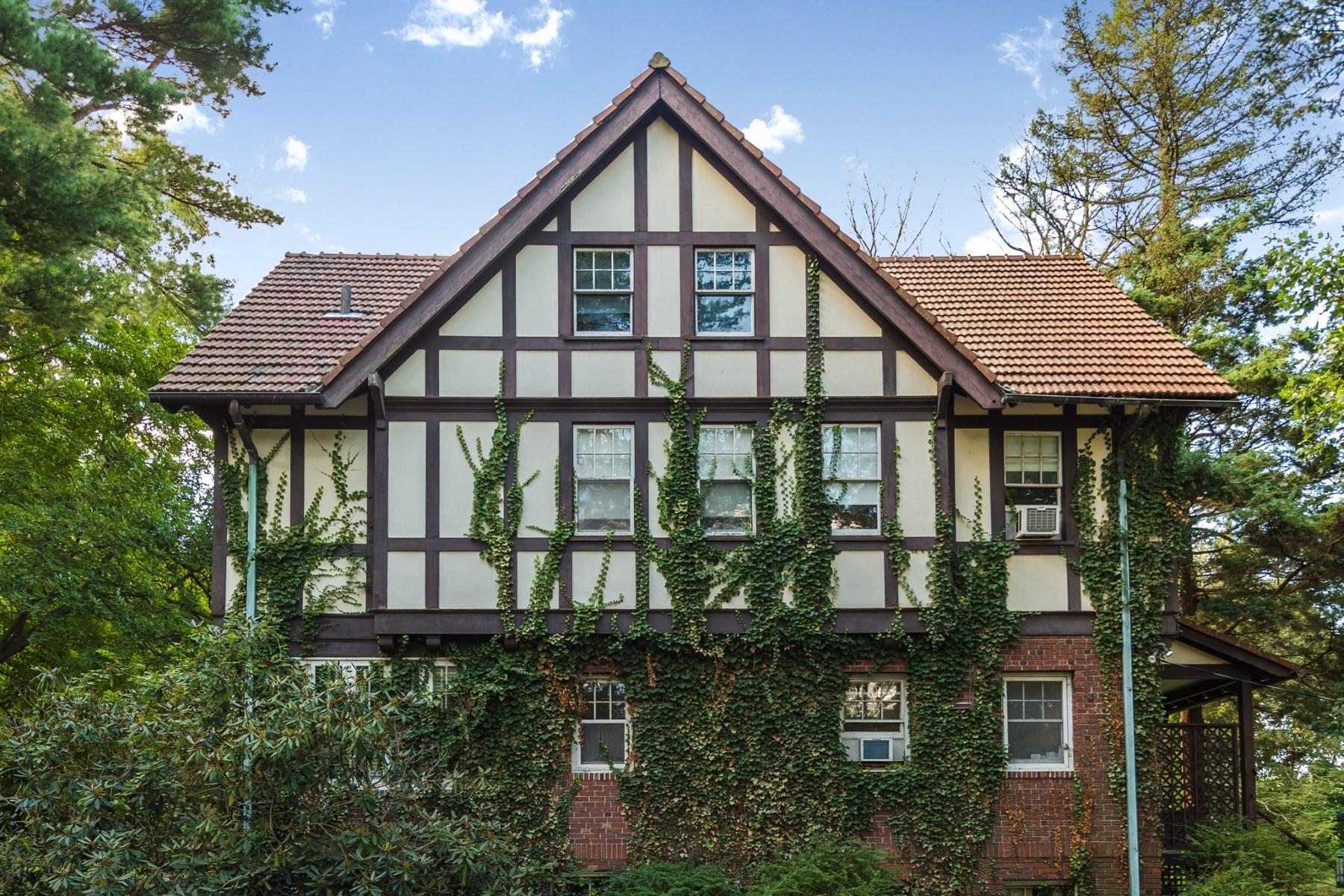 Tek Ailelik Ev için Satış at 30 Brookridge Drive Mid-Country, Greenwich, Connecticut, 06830 Amerika Birleşik Devletleri