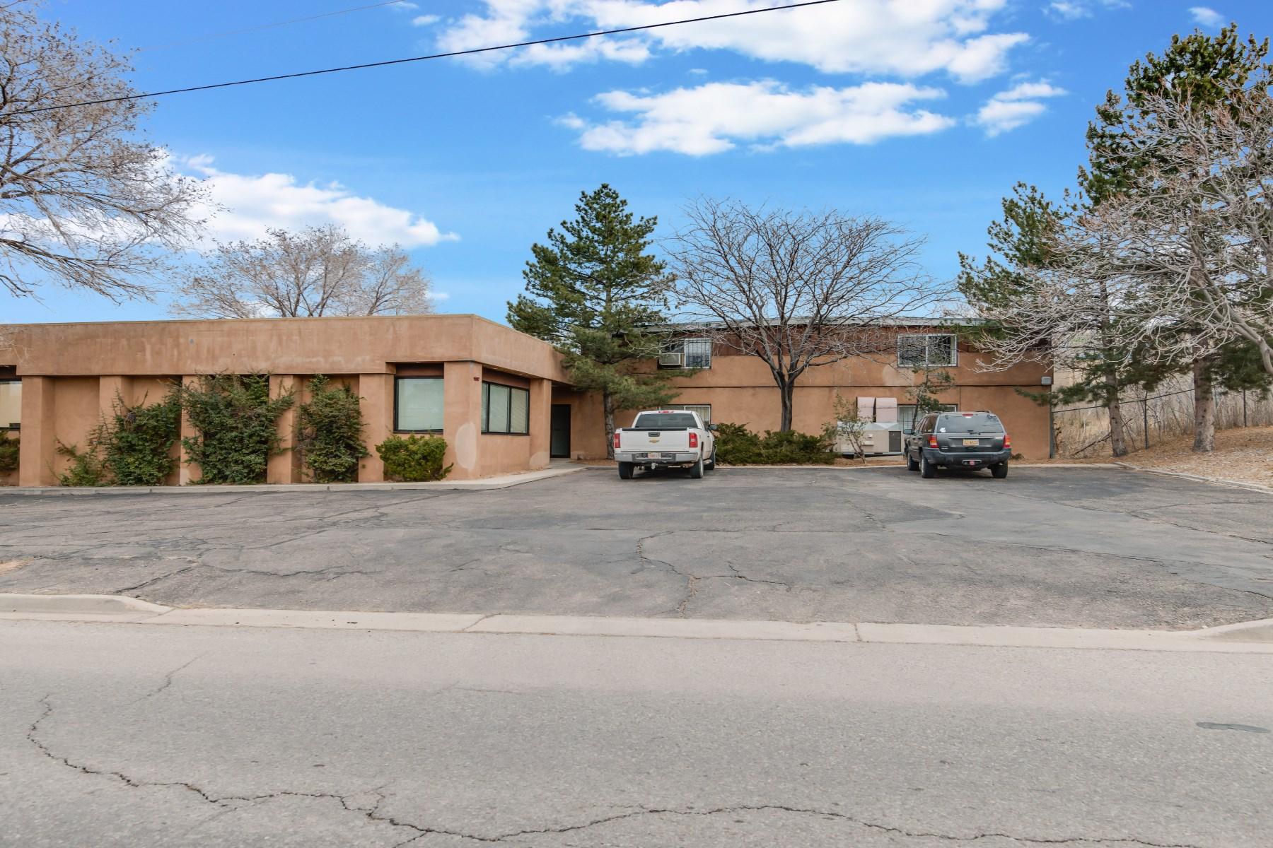pour l Vente à 1587 Pacheco Street Santa Fe, New Mexico 87505 États-Unis