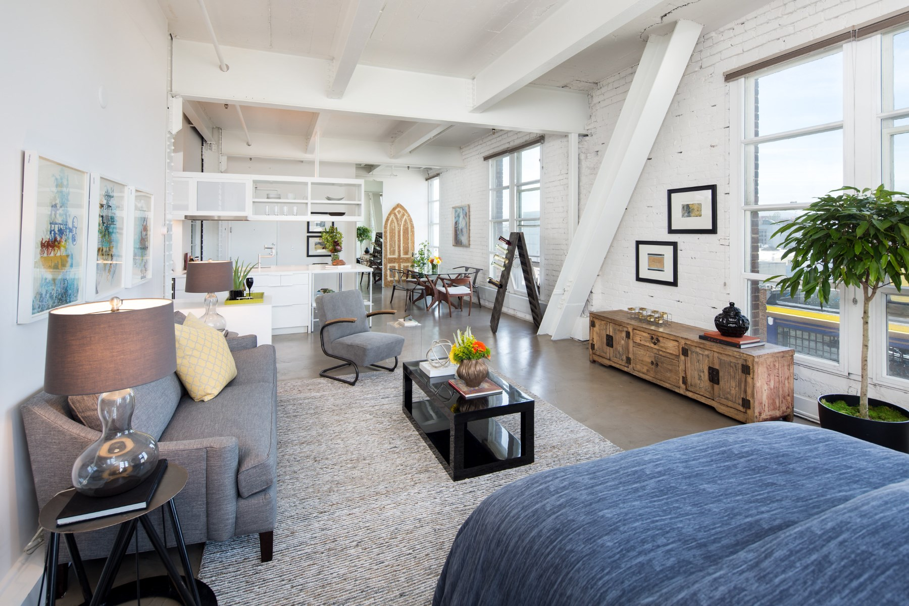 sales property at Jackson Brewery Tower Loft 3A