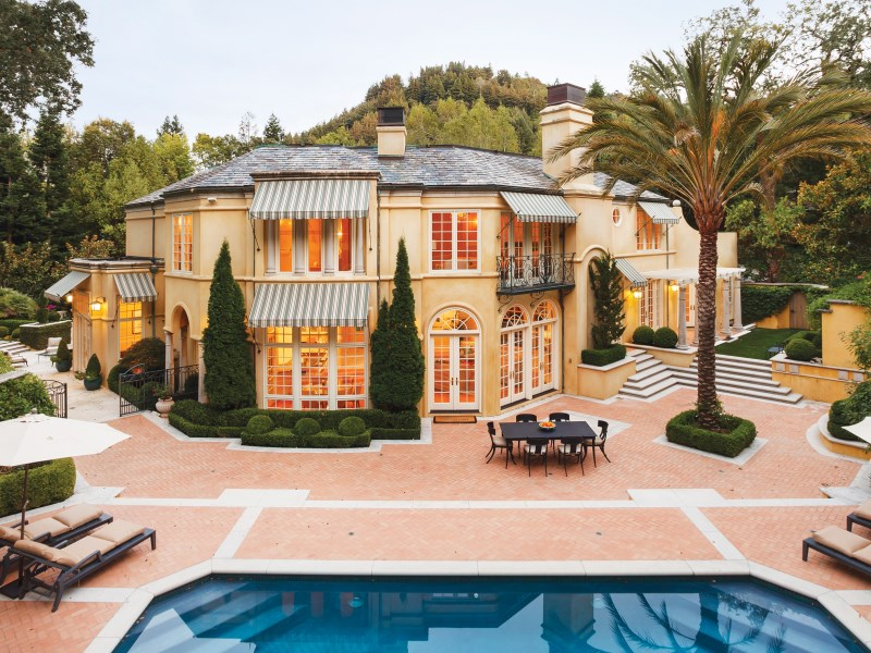 Moradia para Venda às Modern Italian Villa on Ross' Gold Coast 2 Upper Road Ross, Califórnia 94957 Estados Unidos