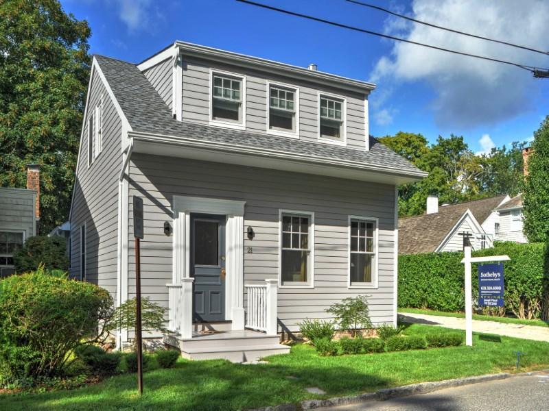 一戸建て のために 売買 アット Sag Harbor Village Charm 21 Rogers Street Sag Harbor, ニューヨーク 11963 アメリカ合衆国