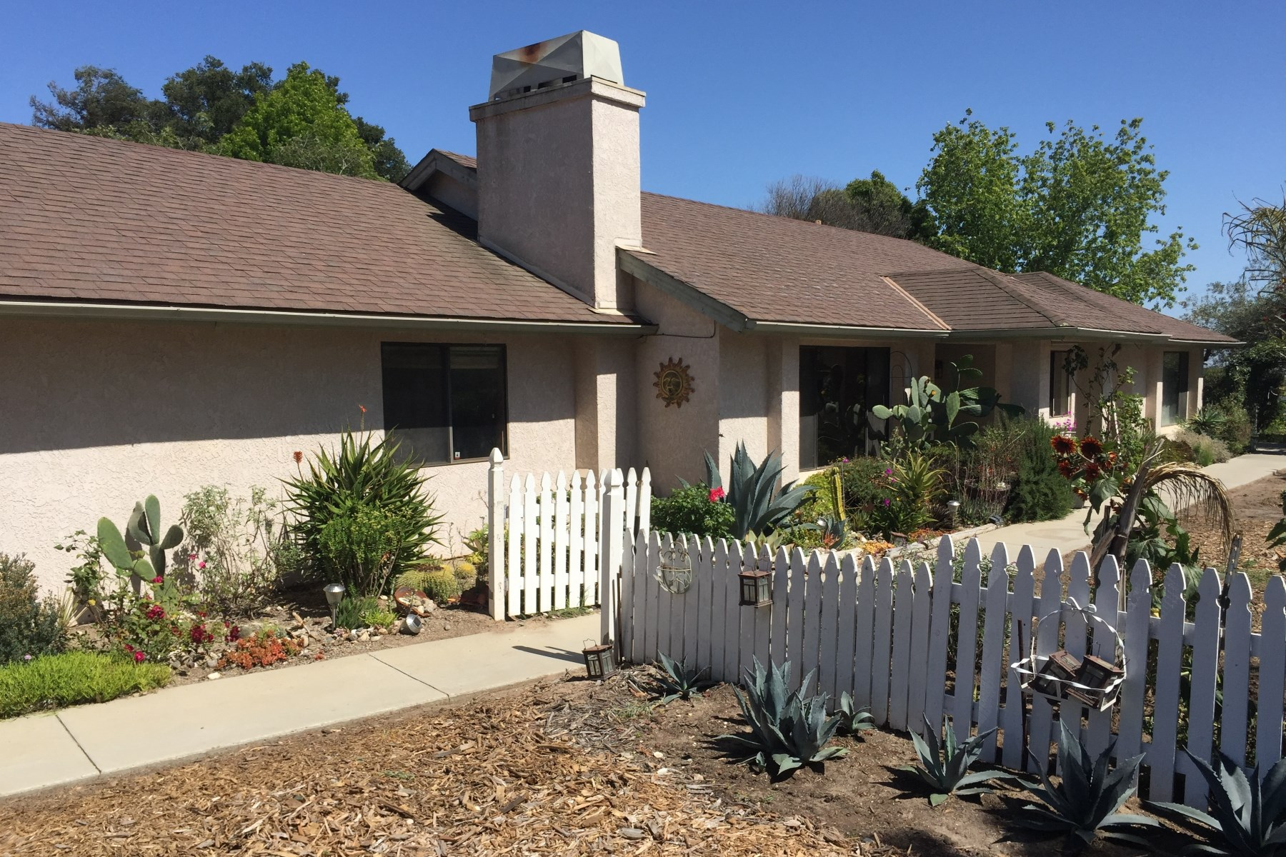 Single Family Home for Sale at Great Investment Opportunity 1565 Verano Way Nipomo, California, 93444 United States