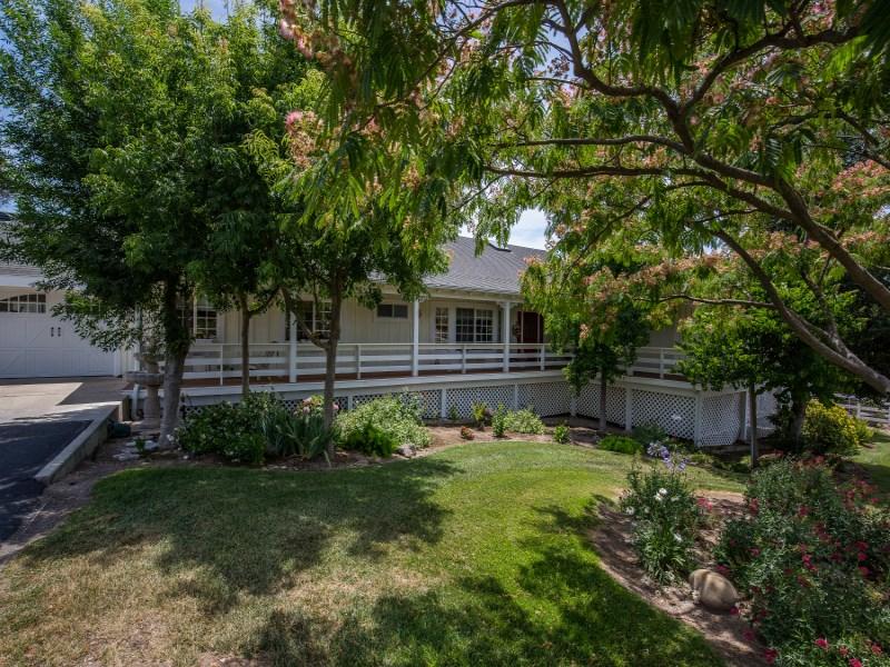 Vivienda unifamiliar por un Venta en Santa Ynez Farmhouse 2095 North Refugio Road Santa Ynez, California 93460 Estados Unidos