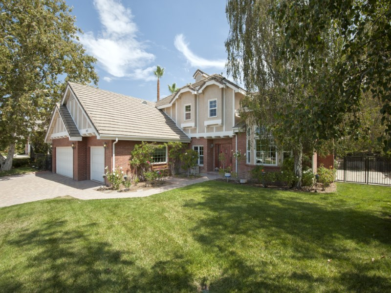 Single Family Home for Sale at Gated Lynn Ranch - Custom Remodel 852 Camino Flores Thousand Oaks, California 91360 United States
