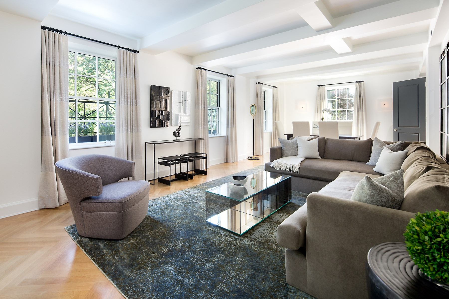 Condominium for Rent at 18 Gramercy Park South Floor 3 New York, 10003 United States