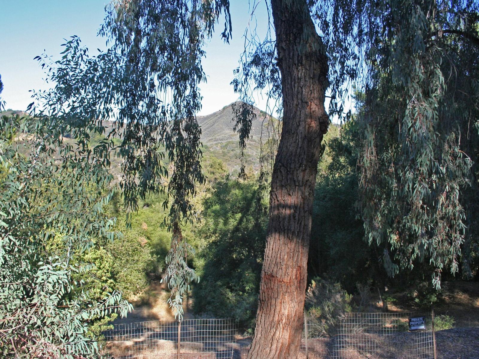 Terreno por un Venta en Perfectly located View 1/2 acre lot Topanga, California 90290 Estados Unidos