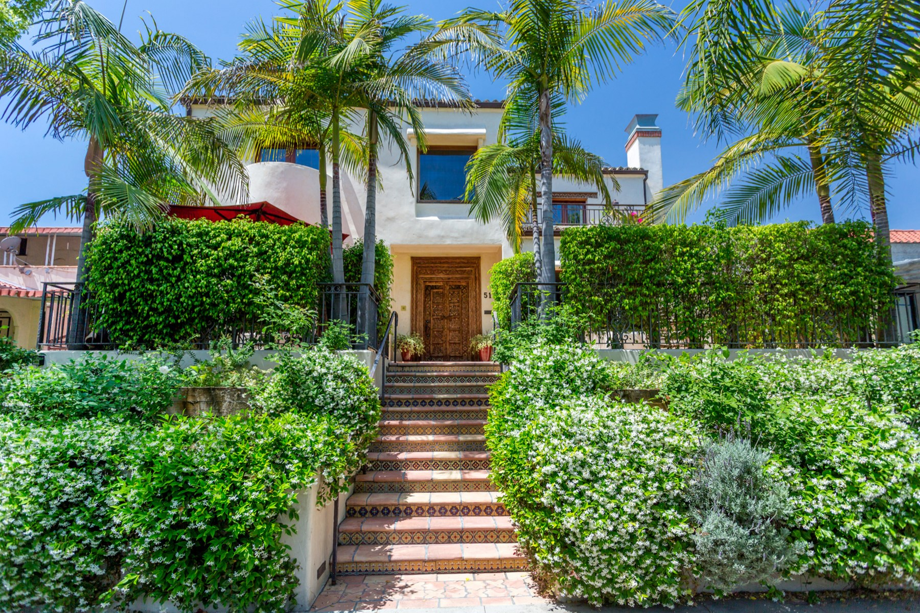 Multi-Family Home for Sale at 511 North Orange Drive Hancock Park, Los Angeles, California, 90036 United States