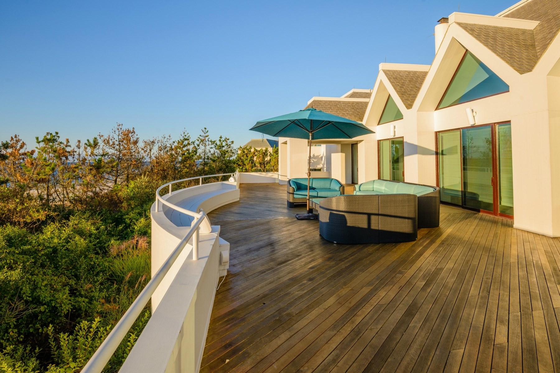Property Of Spectacular Oceanfront