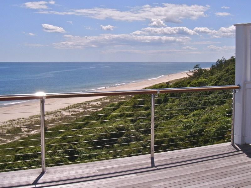 Cooperativa por un Venta en Oceanfront Views and Unparalleled Luxury 272 Old Montauk Highway Hill Top Unit 10 Montauk, Nueva York 11954 Estados Unidos