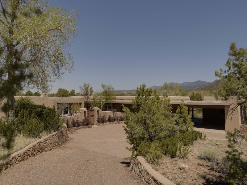 Single Family Home for Sale at 25 General Sage Drive Santa Fe, New Mexico 87505 United States