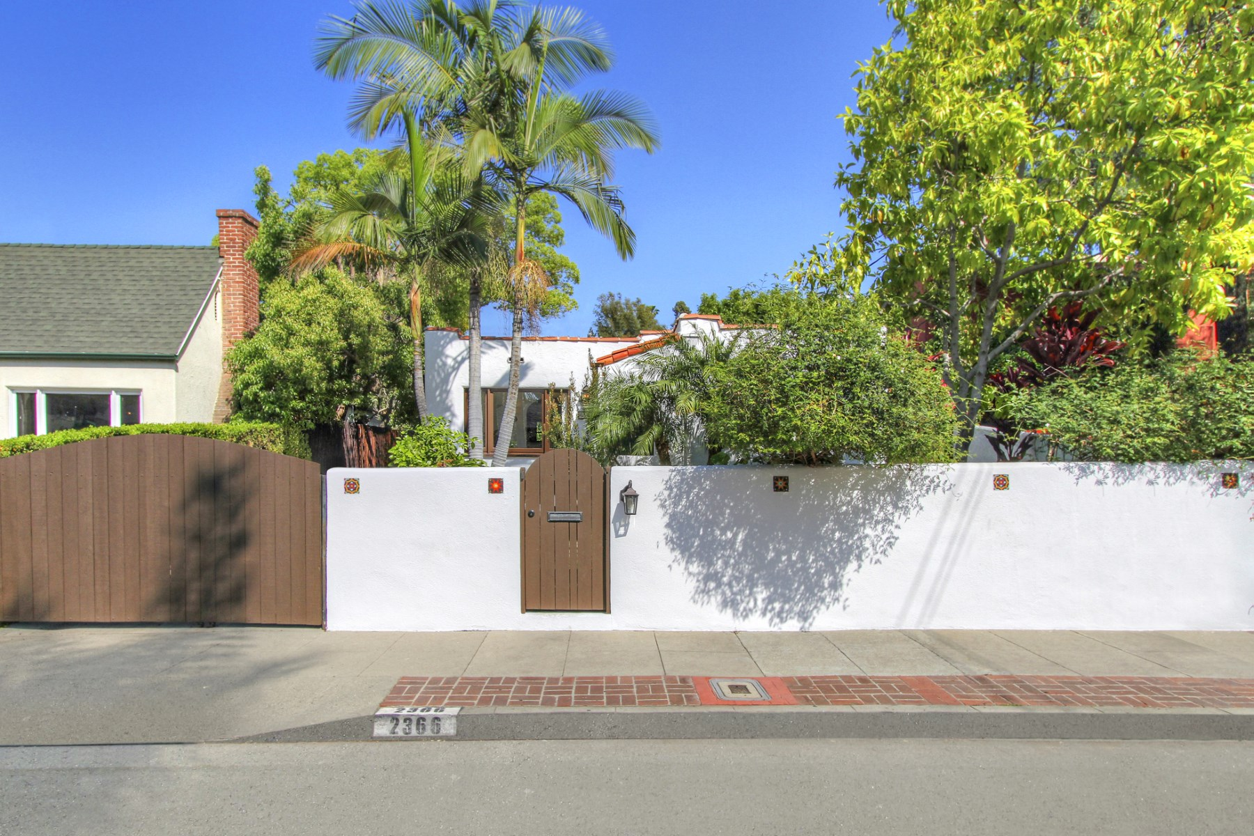 Single Family Home for Sale at 2366 Edgewater Terrace Silver Lake, Los Angeles, California, 90039 United States
