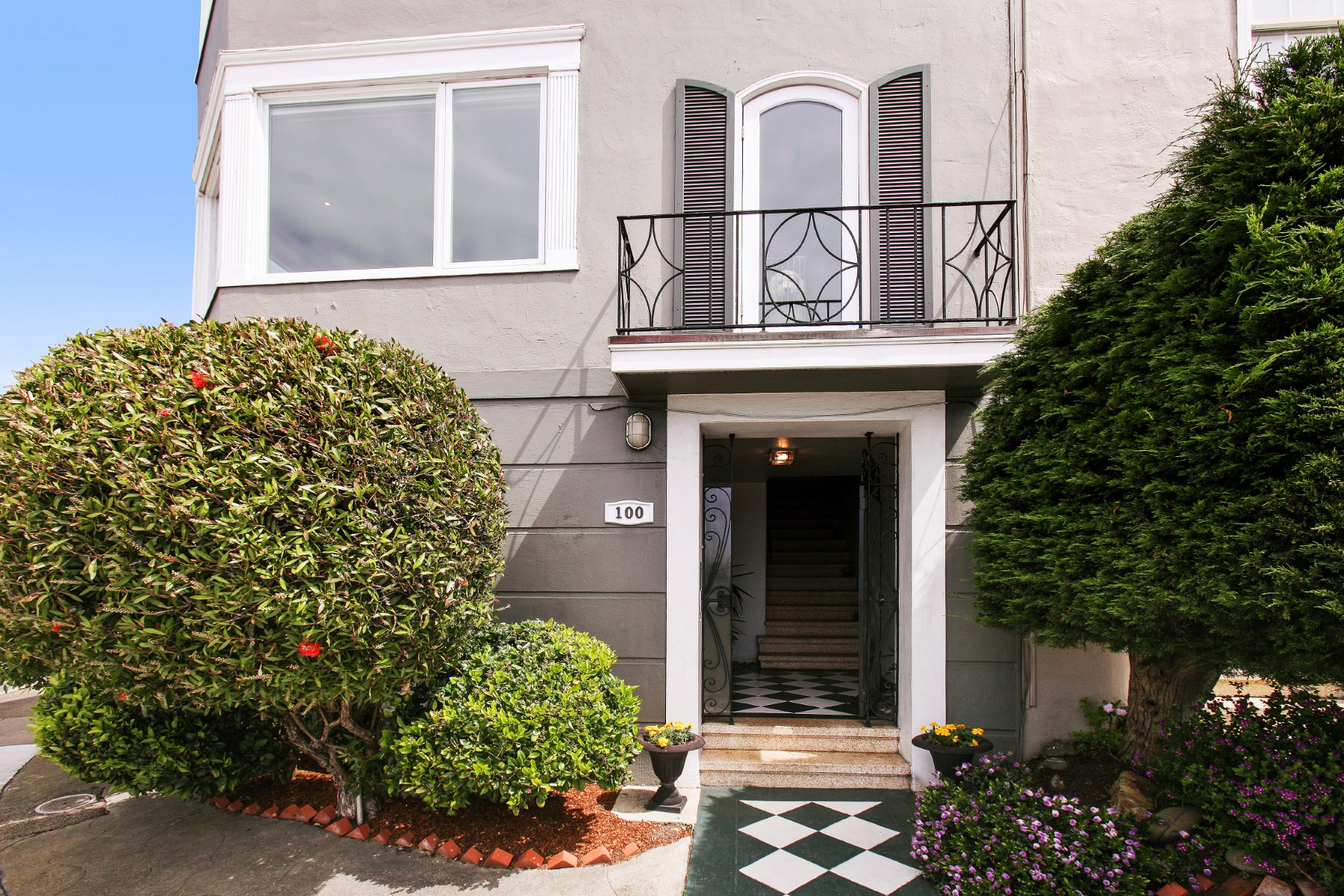 Multi-Family Home for Sale at Beautiful Lone Mountain Home 100-102 Stanyan St San Francisco, California, 94118 United States