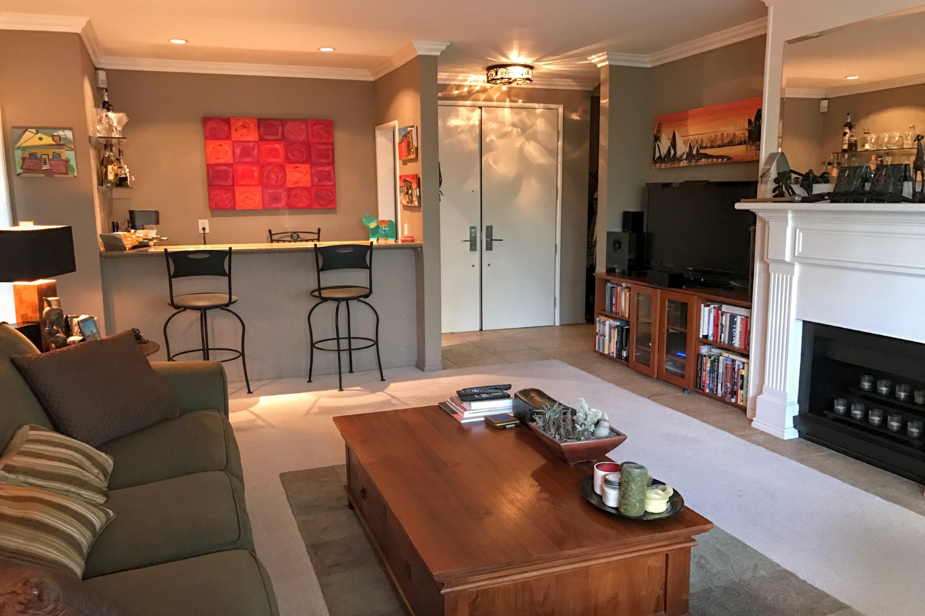rentals property at Prime Brentwood Location