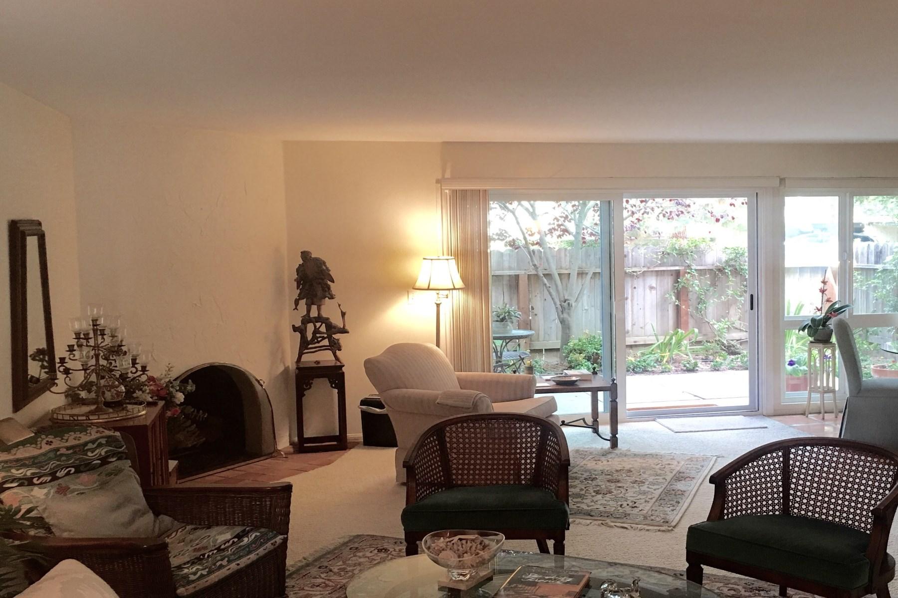 sales property at Lovely Los Encinos Condo