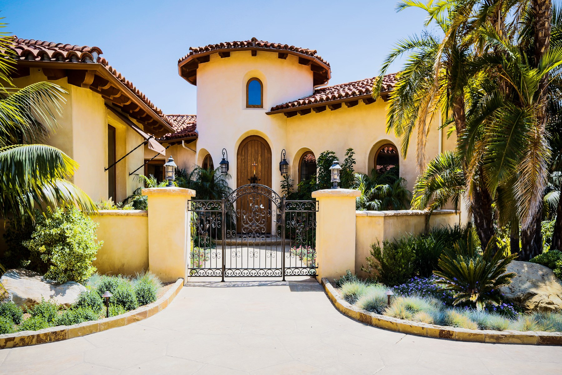 一戸建て のために 売買 アット La Romana Estates Villa 1365 Via Veneto Santa Barbara, カリフォルニア 93111 アメリカ合衆国