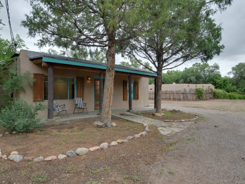Maison unifamiliale pour l Vente à 725-1/2 Canyon Road Santa Fe, New Mexico 87505 États-Unis