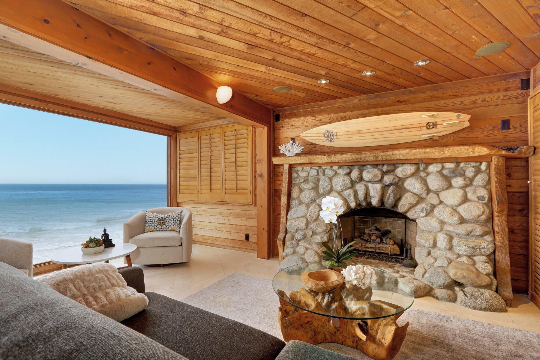 Moradia para Arrendamento às Fantastic Beach Front Rental 19056 Pacific Coast Hwy Malibu, Califórnia, 90265 Estados Unidos