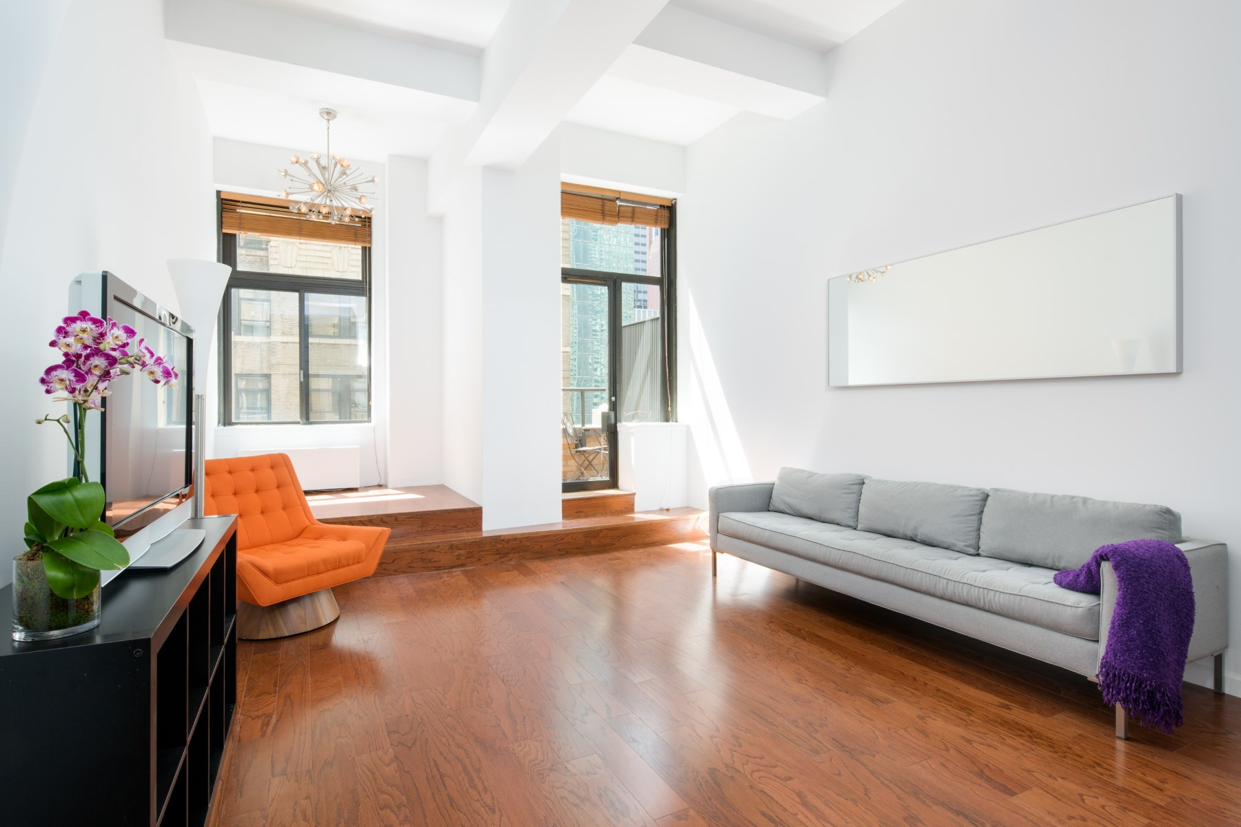 Кооперативная квартира для того Продажа на 310 East 46th Street, Apt 8U 310 East 46th Street Apt 8U Midtown East, New York, Нью-Йорк, 10017 Соединенные Штаты