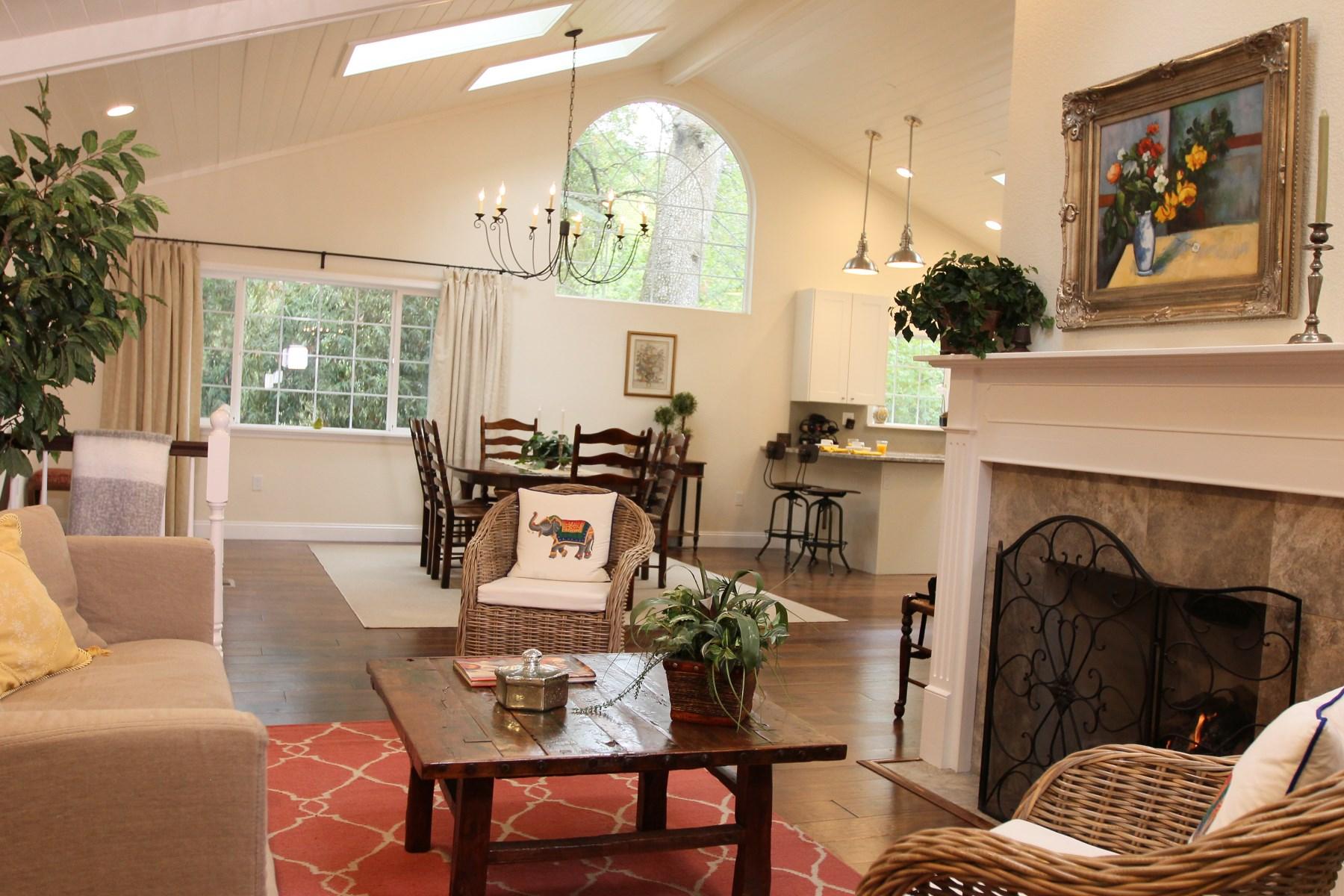 Частный односемейный дом для того Продажа на Jack London's Enclave 4357 Lakeside Rd Glen Ellen, Калифорния 95442 Соединенные Штаты