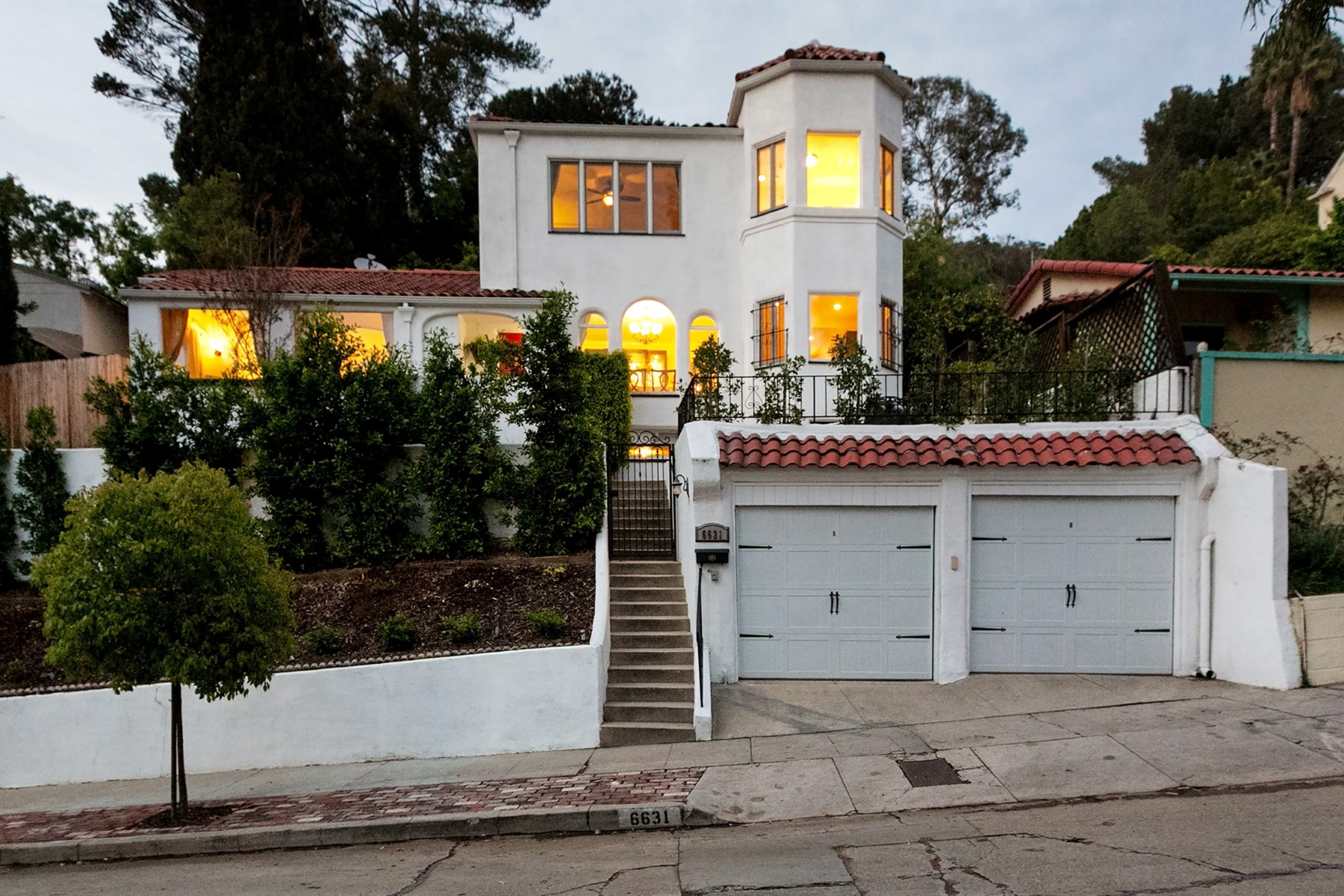 Single Family Home for Sale at 6631 Cahuenga Terrace Los Angeles, California, 90068 United States