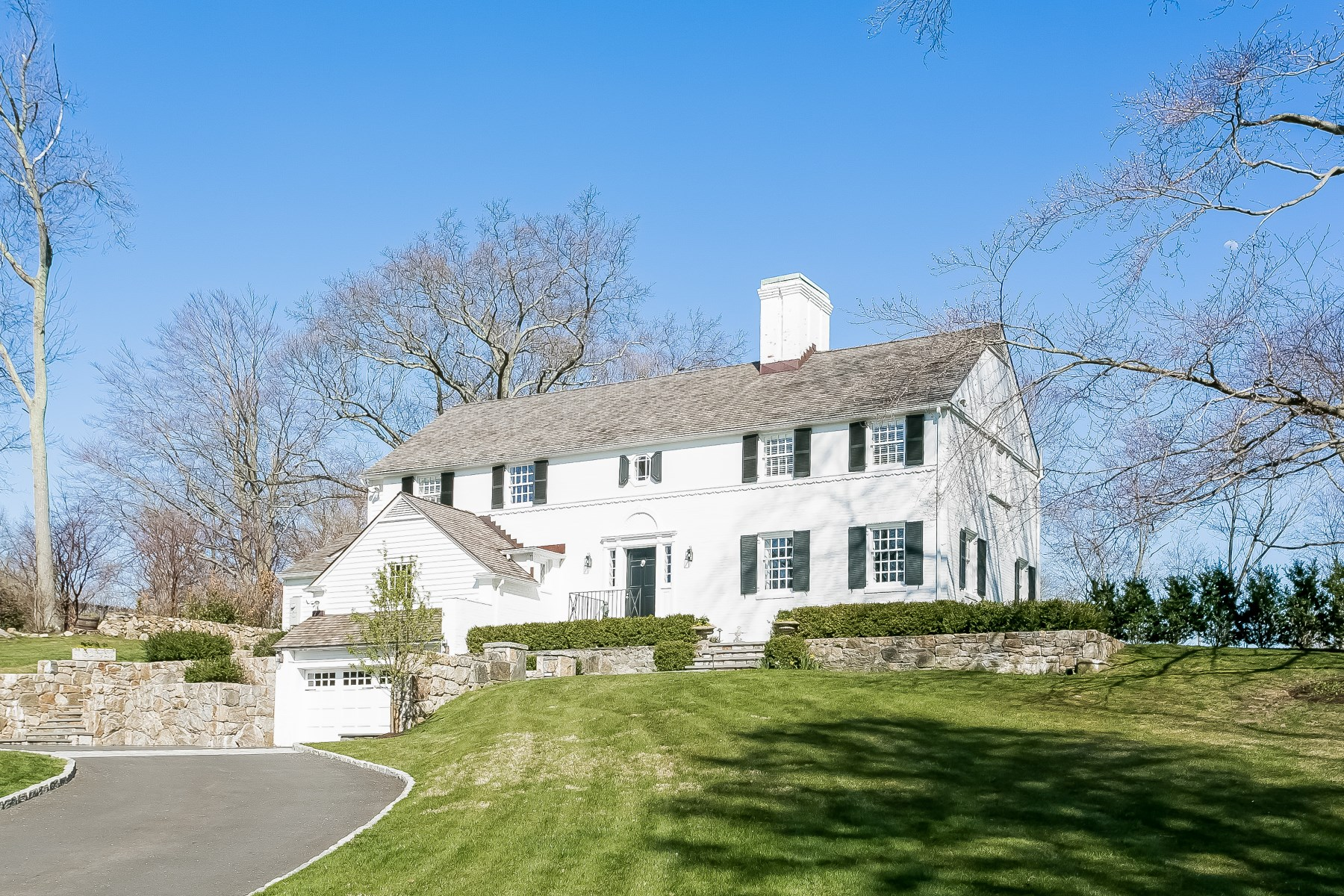 Single Family Home for Sale at 59 Hillside Road Central Greenwich, Greenwich, Connecticut, 06830 United States