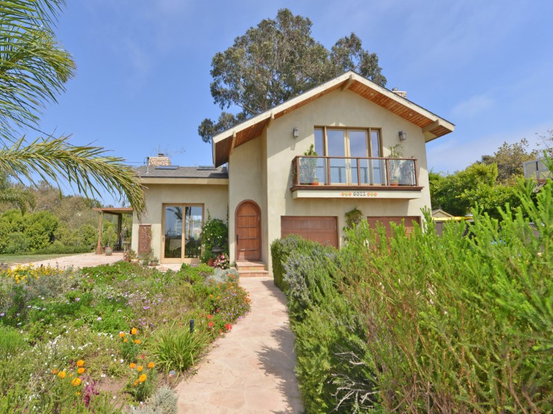 Single Family Home for Sale at Malibu Park Charmer 6022 Merritt Drive Malibu, California 90265 United States
