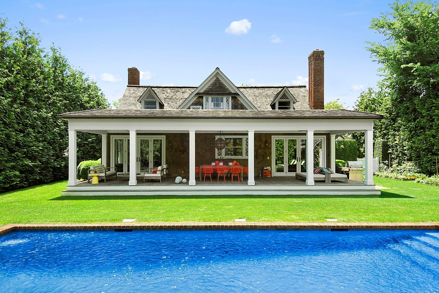 Maison unifamiliale pour l Vente à Designer's Gem Southampton Village Southampton, New York 11968 États-Unis