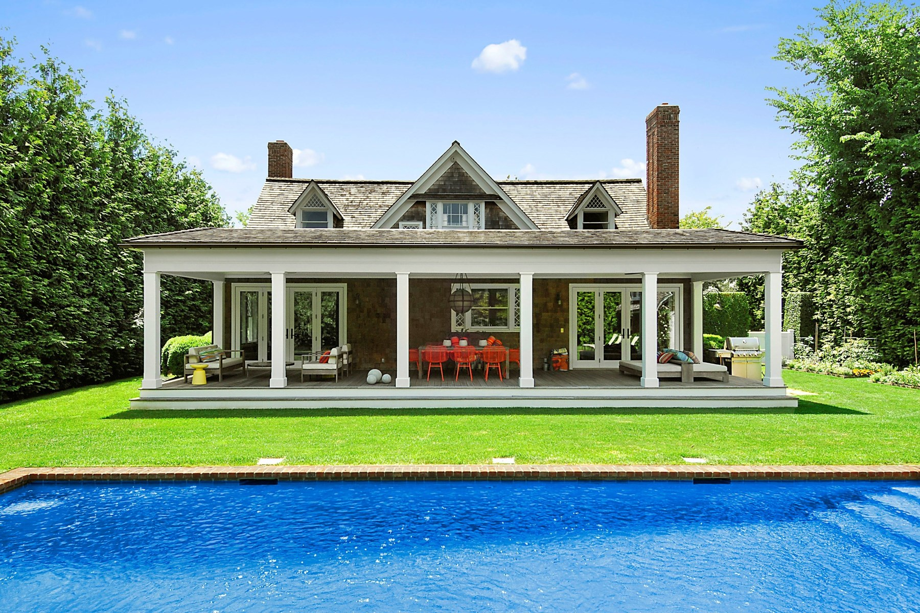 Villa per Vendita alle ore Designer's Gem Southampton Village Southampton, New York 11968 Stati Uniti